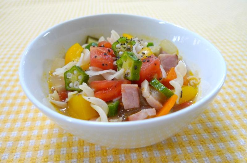 夏やさいたっぷりのトマトスープ